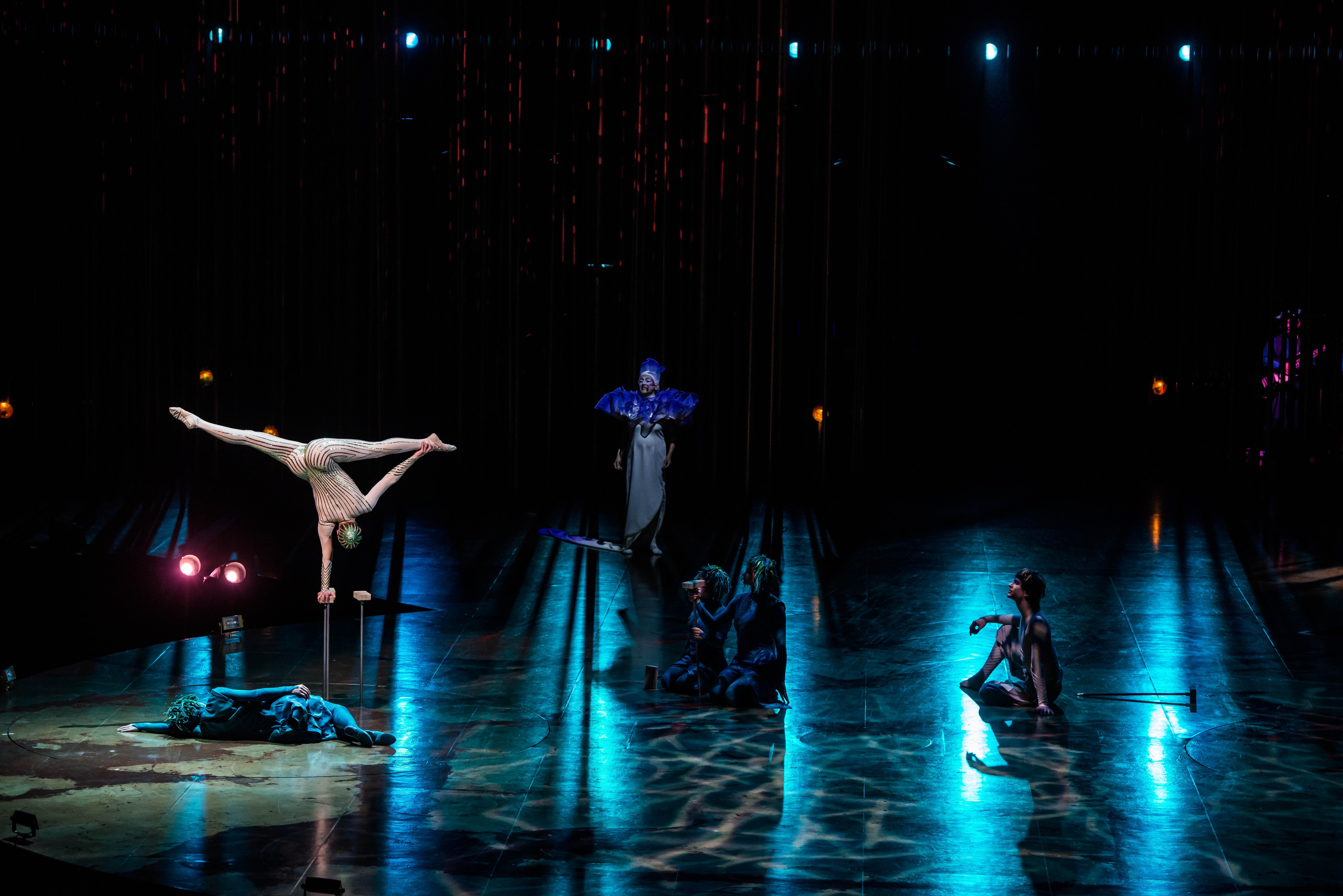 Vareikai Cirque du Soleil Leeds First Direct Arena (6)