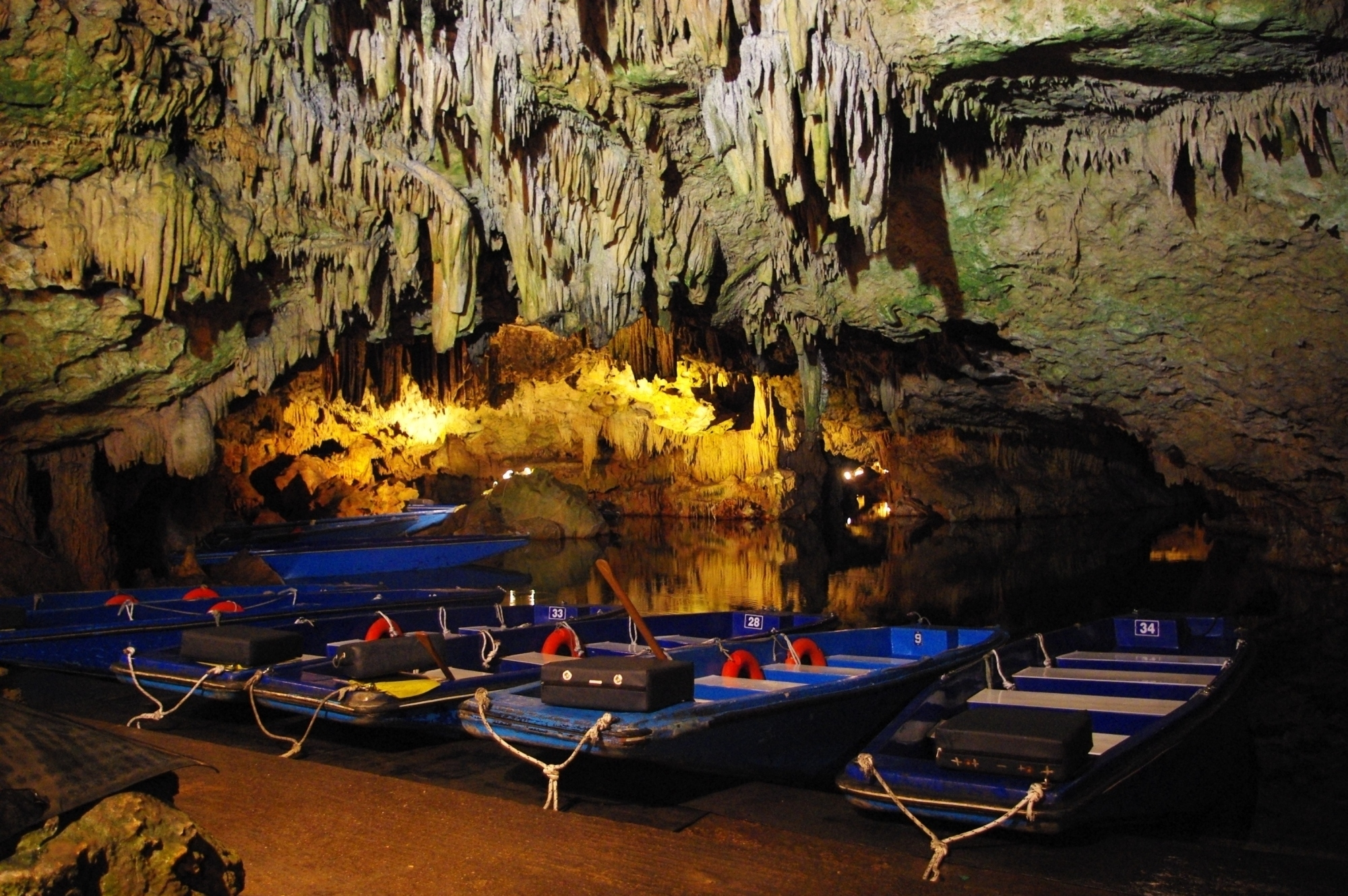 Caves of Diros - day out with the kids in Greece (2)