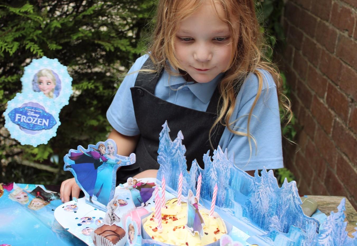 Disney Store Frozen Party Accessories (7)
