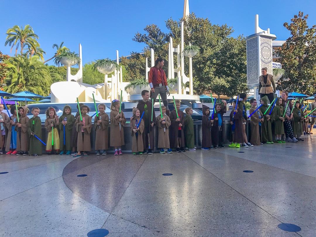 Disneyland - Jedi Training 2 - Let\'s Travel Family_