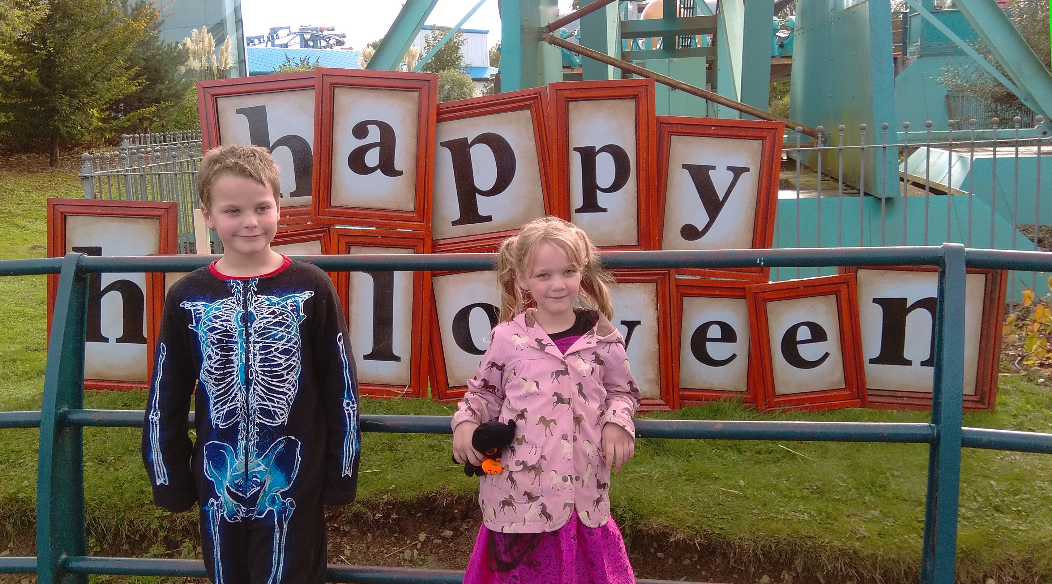 flamingo land theme park halloween (4)