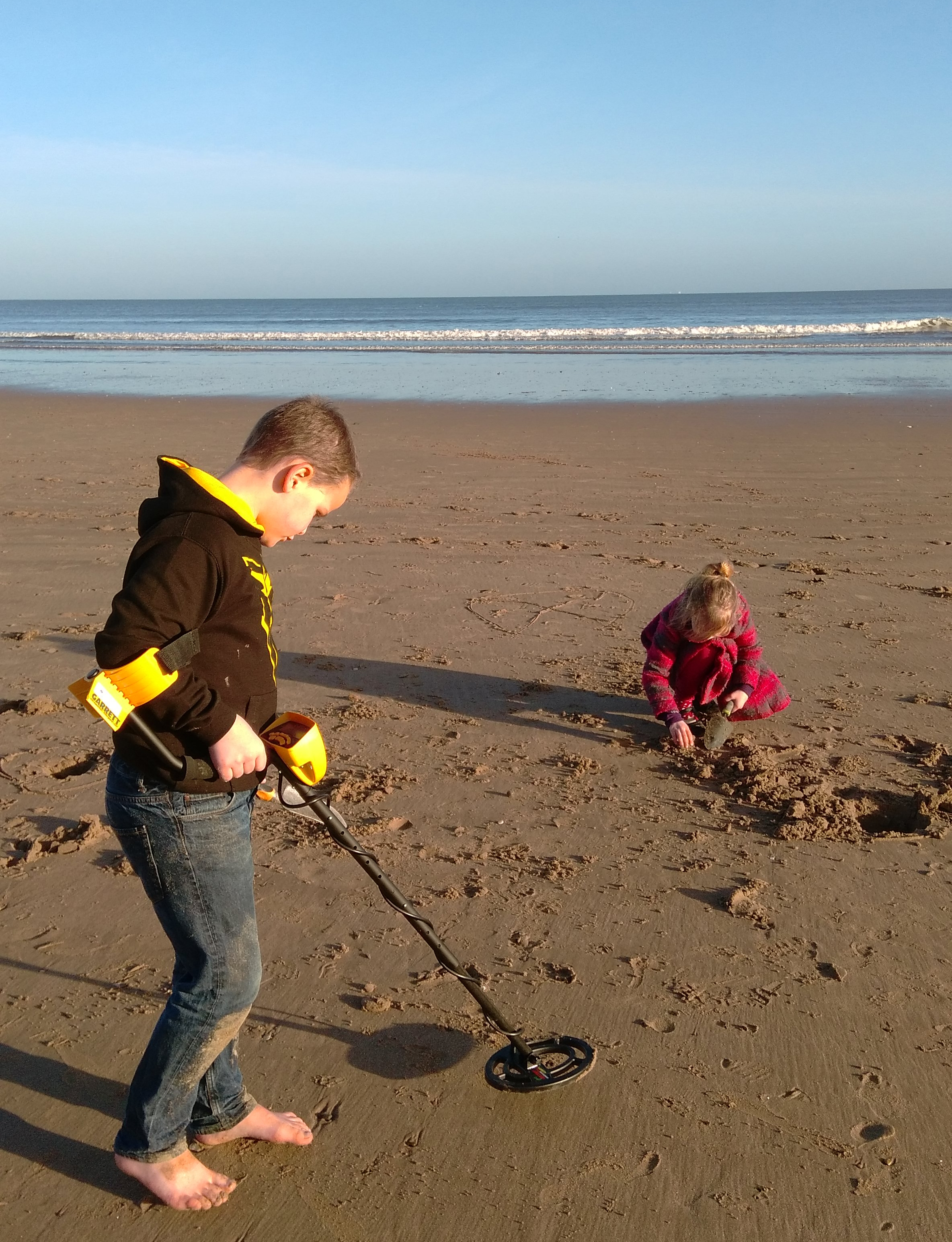 Winter Treasure Hunting at Fraisthorpe Beach (5)