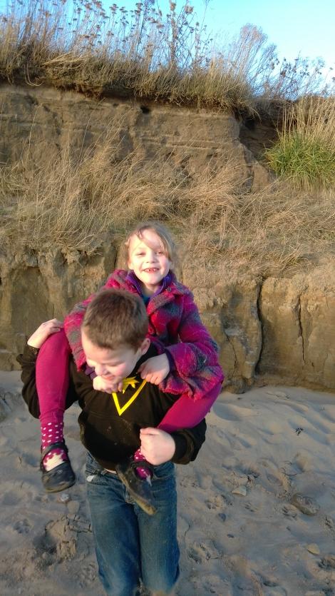 Winter Treasure Hunting at Fraisthorpe Beach (2)