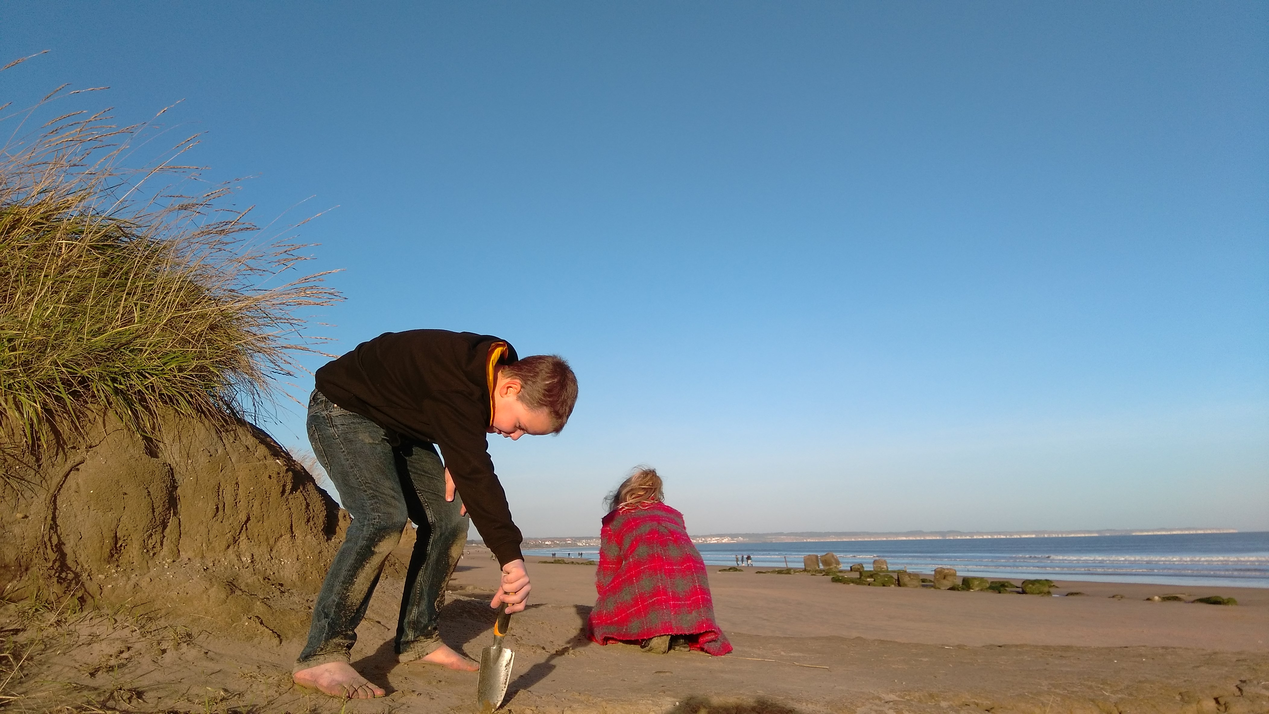 Winter Treasure Hunting at Fraisthorpe Beach (3)