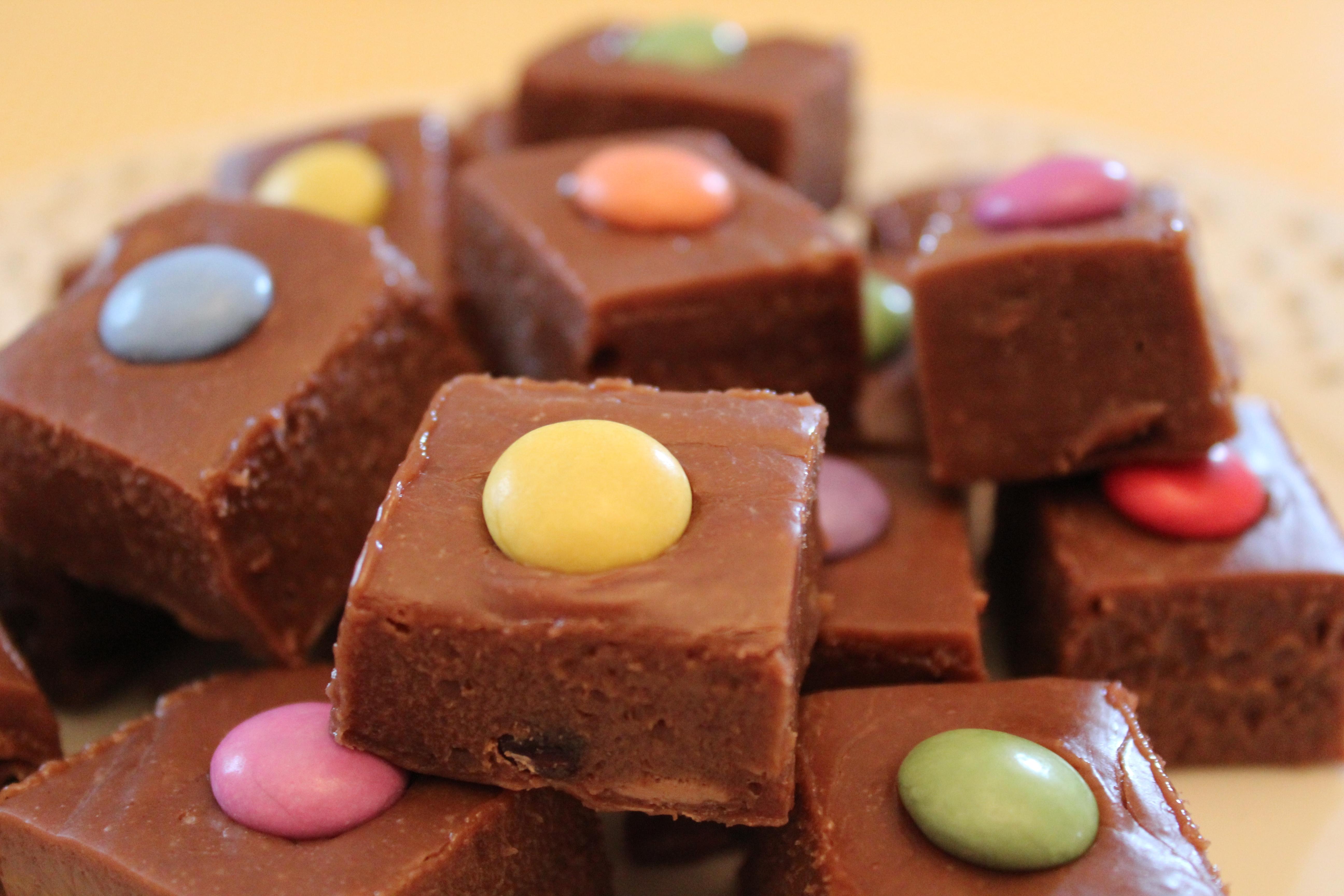 slow cooker crockpot mars bar chocolate fudge (9)