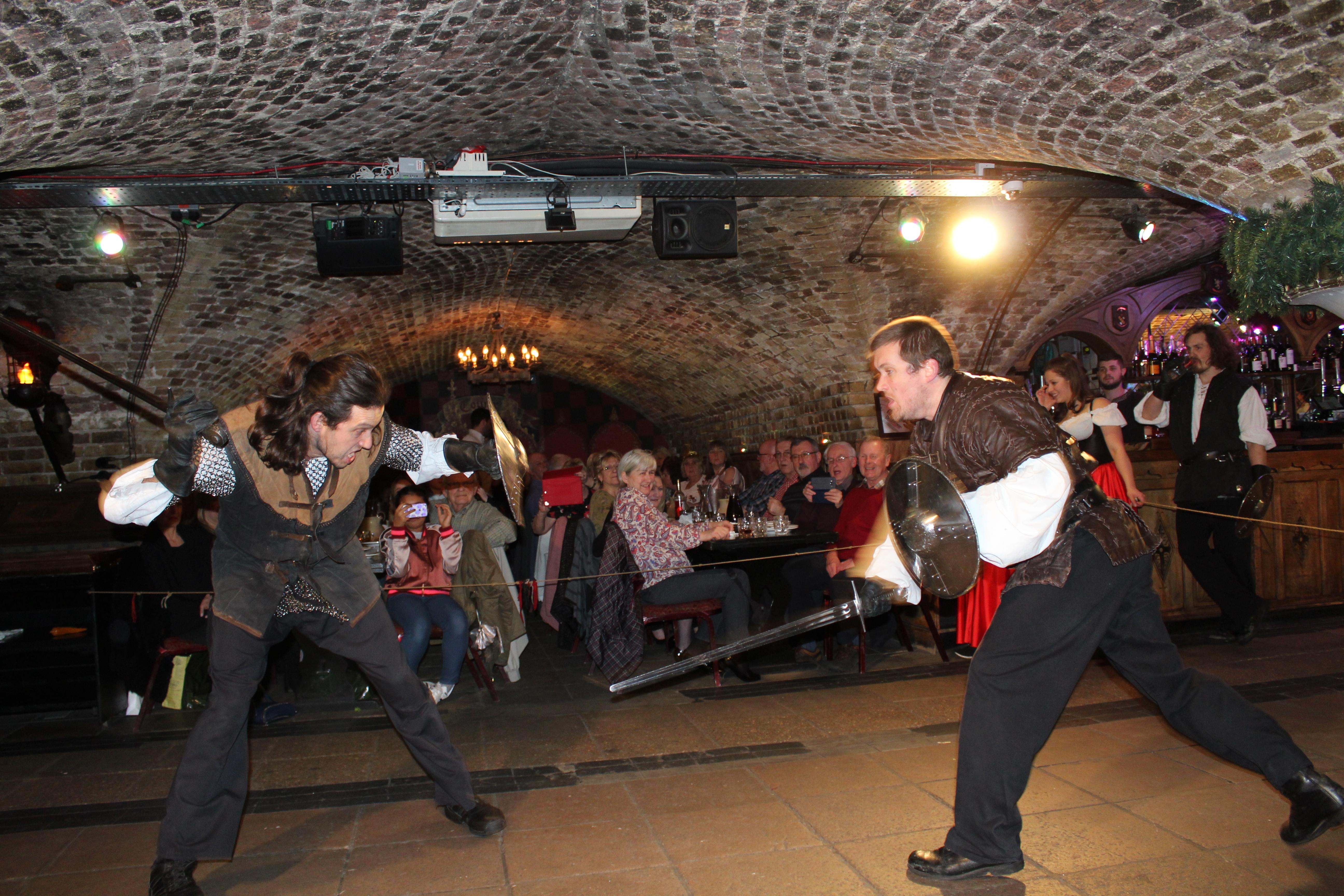 medieval banquet london (14)