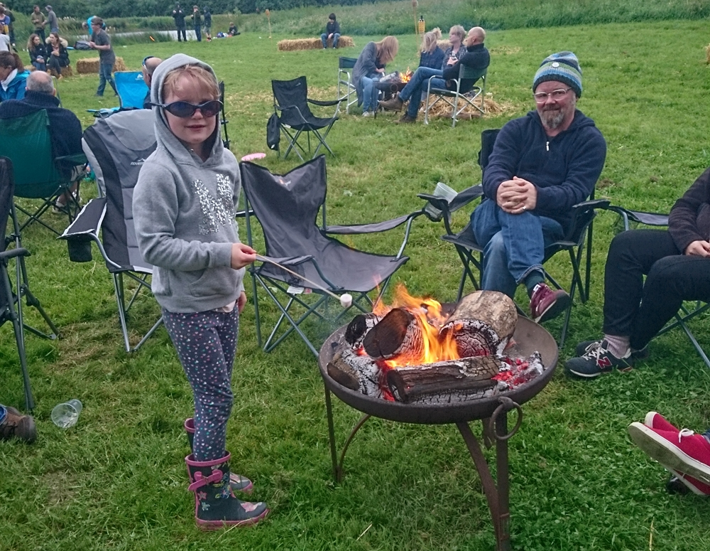 Rushy Meadows Glamping Camping Oxford Canopy & Stars (3)