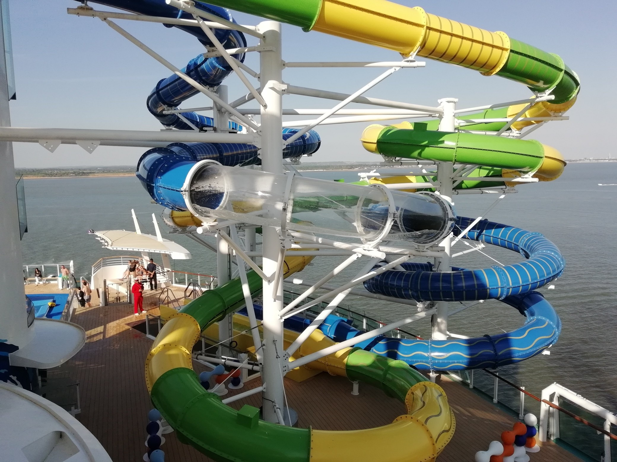 Sky Pad and The Perfect Storm on Independence of the Seas - Royal Caribbean (7)