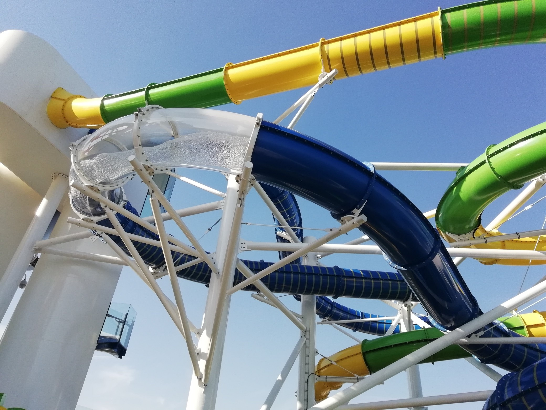 Sky Pad and The Perfect Storm on Independence of the Seas - Royal Caribbean (8)