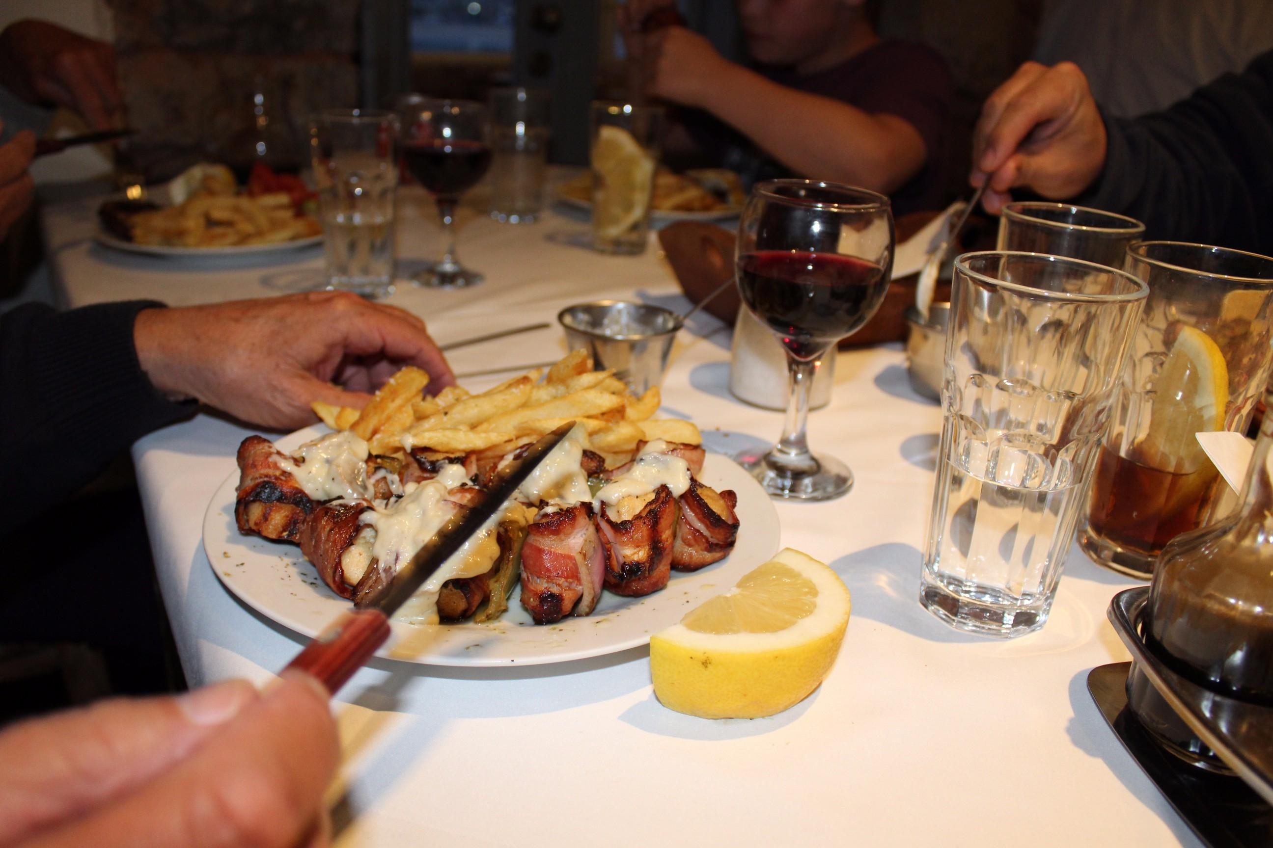 restaurants in stoupa Akrogiali chicken and bacon souvlaki