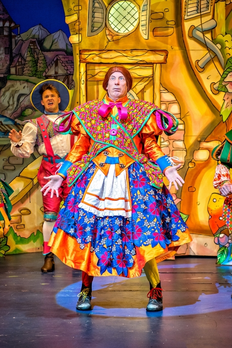 Berwick Kaler in Jack & the Beanstalk Photography by Anthony Robling