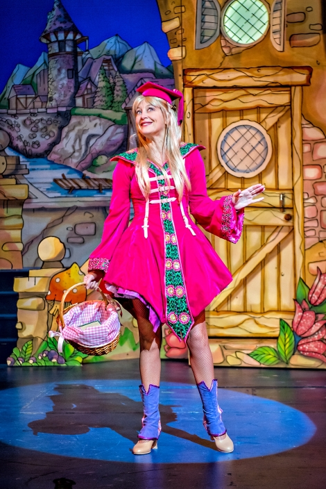 Suzy Cooper as Jill in Jack & the Beanstalk Photography by Anthony Robling