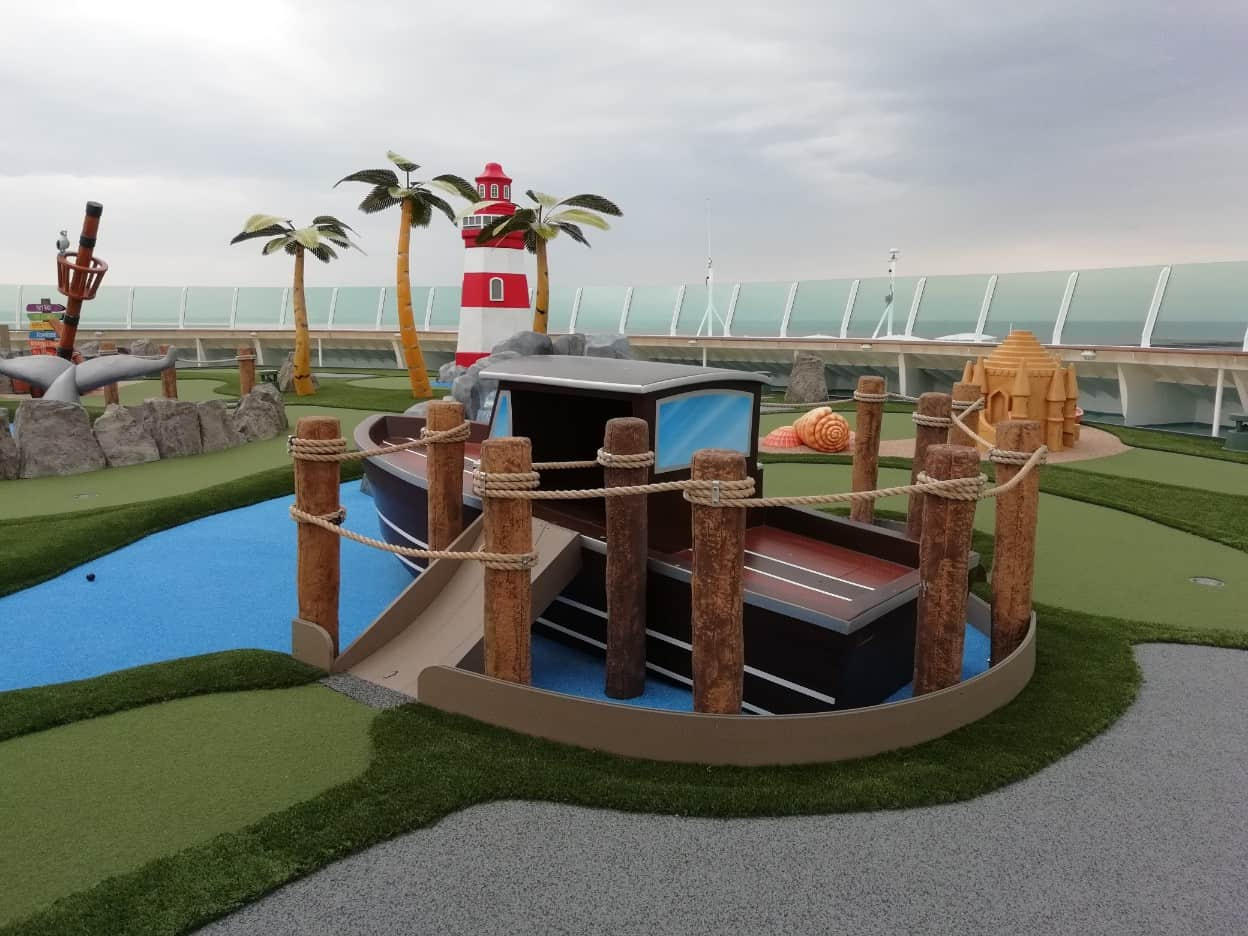 Mini Golf - New Independence of the Seas