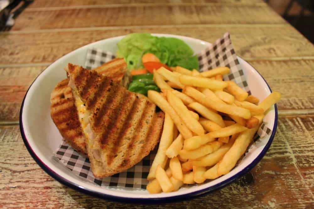 Turtle Bay York Review (chicken and cheese toastie)