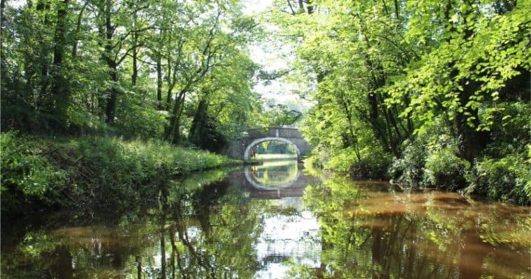 Narrow Boating on the Leeds Liverpool Canal in Yorkshire – Review