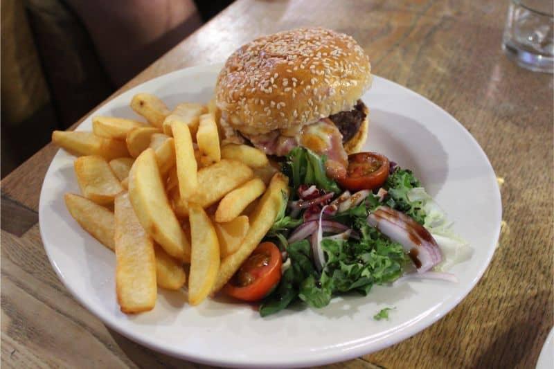 Cafe Cargo Burger