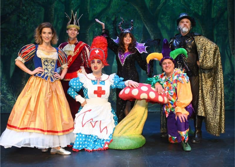 Grand Opera House York Panto 2019 – Snow White