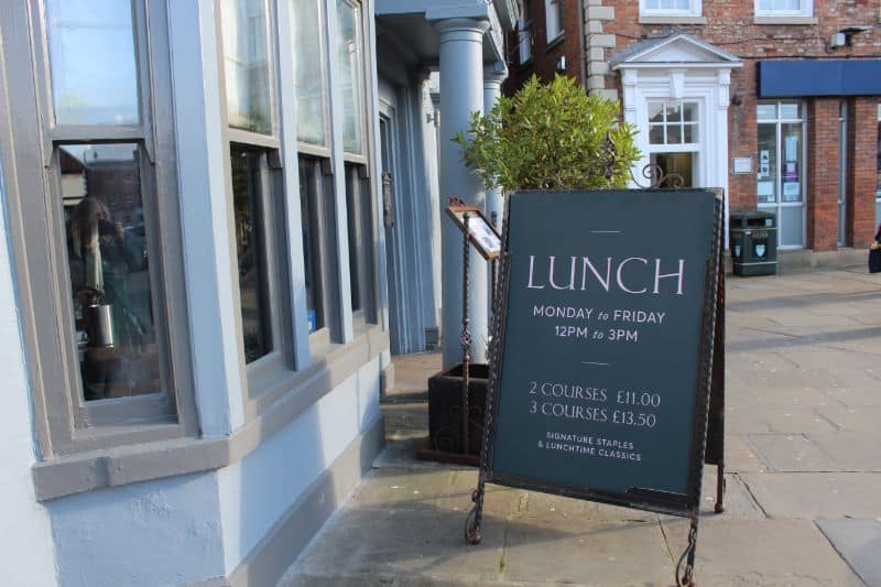 The Kings Head Beverley lunchtime offers