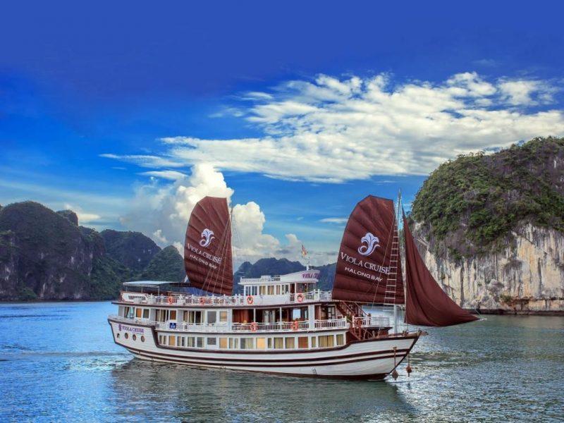 Top 10 Cruises in Halong Bay, Vietnam