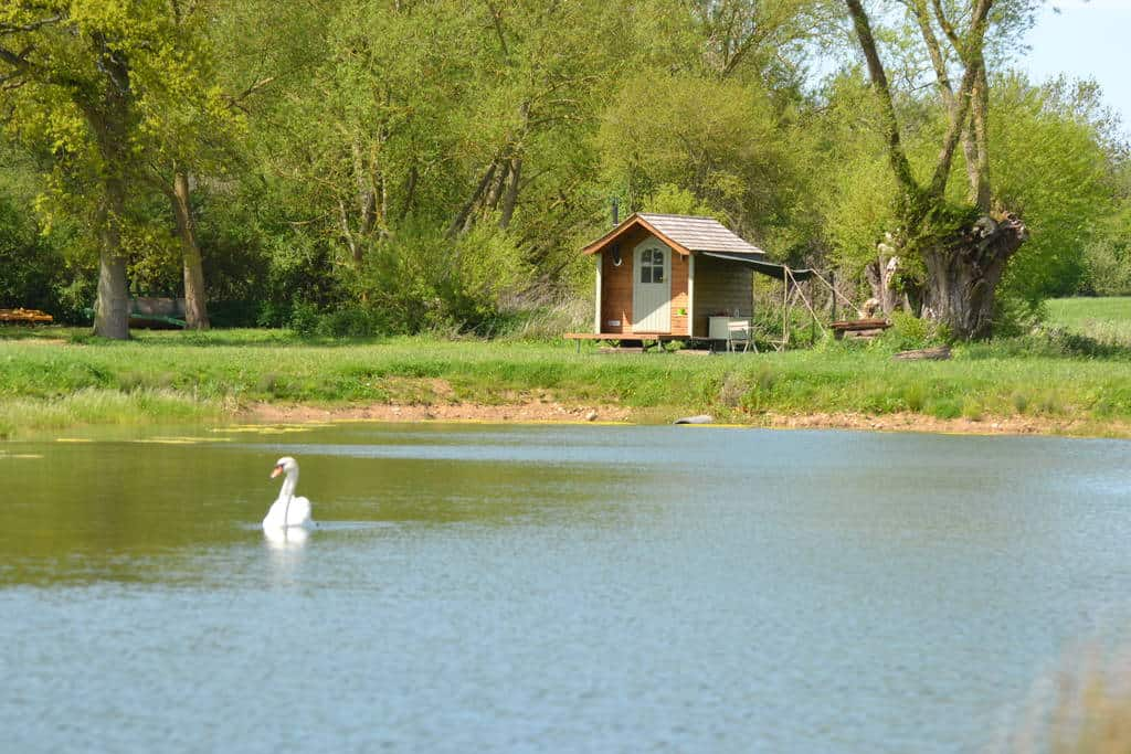 Glamping at Rushy Meadows, Oxford – Canopy & Stars